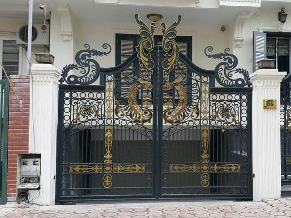Cổng nhà với họa tiết đẹp