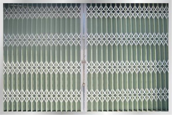 Cửa kéo Đài Loan phù hợp với ngôi nhà màu trắng xanh