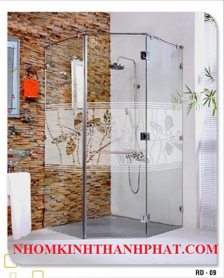 Phòng tắm kính 135 độ nổi bật