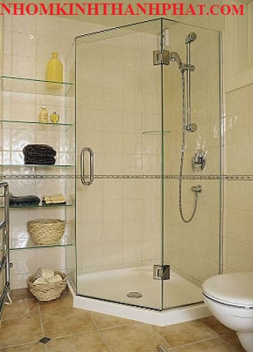 Phòng tắm kính 135 độ sang trọng