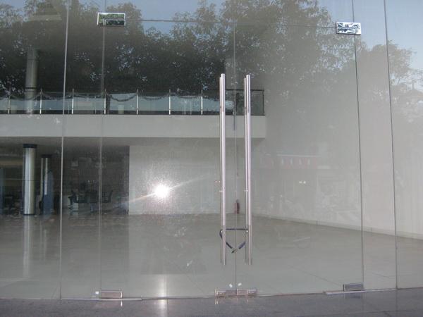 Cửa kính cường lực bản lề sàn CKBLS2
