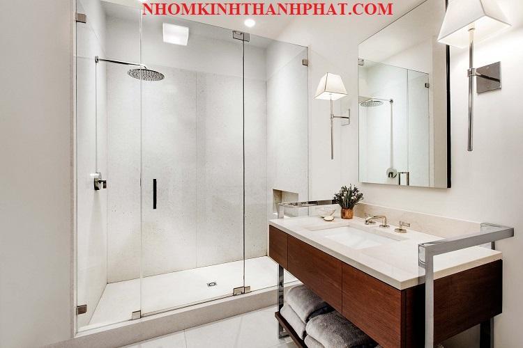 Phòng tắm kính, vách kính phòng tắm đẹp và giá rẻ nhất hiện nay